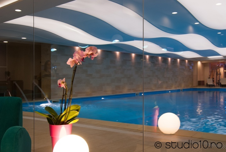 Iaki Spa Amenajare Design Vedere spre piscina